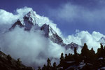 Sherpa Friedhof  nahe Dughla 4620 m mit  Ama Dablam 6856 m