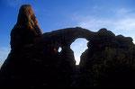Turret  Arch - Felsbogen mit Turm bei Sonnenuntergang