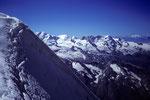 Firngrat mit Blick auf Castor und Pollux mit  Breithorn und Gran Paradiso 4061m