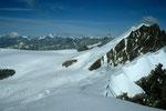 links in der Ferne Montblanc 4810m, rechts Breithorn