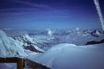 4554m-Aussicht auf die Viertausender im Westen und  in der Ferne Montblanc