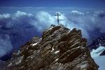 """Am Kreuz """"Berge sind stille Meister und machen schweigsame Schüler"""" J.W.v.Goethe"""