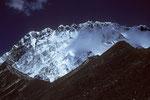 Chukung Ri 5546 m dahinter Nuptse 7879 m Südwand