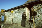 Herbergseltern der Gosainkund Lodge