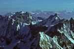 Neue Kletterziele im Meer der Berge des Montblanc