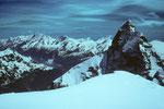 Gipfelblick zur Mischabel und mit Matterhorn 4478 m.