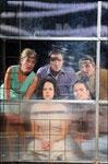 """2011 / """"Freie Sicht"""", Stadttheater Heidelberg, vorne von links: Natalie Mukherjee, Markus Schultz - hinten von links: Beatrix Doderer, Steffen Gangloff, Sebastian Borucki, Photo: Klaus Fröhlich"""