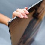 Fotoabzug auf Aluminiumplatte hinter Acrylglas