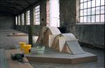 Ein von Schreinern gebautes Holzgerüst dient mir als Unterkonstruktion, welches ...