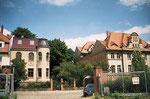 """....ein Bild wie sich das """"neue"""" Haus in die Strasse einfügt."""