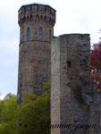 Der Vincketurm hinter dem alten Wehrturm