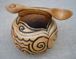 Zuckerdose mit Löffel, in Zusammenarbeit mit einer Keramikerin