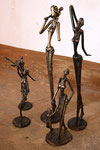 Sculptures : D. Sare