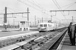 Les Aubrais. 23 mars 1963. Autorail unifié 150 CV série X 5500 assurant probablement un omnibus de la ligne de Montargis.