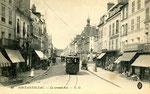 Fontainebleau-T-035 : Rue Grande. Motrice n°7.