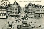 Orléans-T-006 : place du Martroi et statue de Jeanne d'Arc