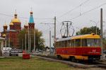 Krasnodar-T-014 : Motrice Tatra T3SU n° 047 de 1983. Ligne 21. Terminus de Rozdestvenskiy-Khram, devant la belle église orthodoxe de la Nativité. Cliché Pierre BAZIN, 23 octobre 2013