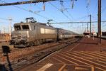Les Aubrais. 20 février 2012. Locomotive BB 7216. Train IC 14035 Paris-Austerlitz - Orléans. Cliché Pierre Bazin