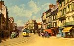 Fontainebleau-T-031 : Place de l'Etape aux Vins. motrice n°17.