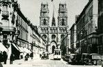 Orléans-T-079 : rue Jeanne d'Arc et cathédrale Sainte-Croix