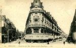 Orléans-T-060 : place du Martroi à l'angle de la rue Bannier et de la rue de la République