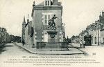 Orléans-T-002 : faubourg Bannier, place de la Bascule et monument des Aydes