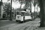 Fontainebleau-T-023 : Boulevard du Maréchal Leclerc. Motrice n°14. Cliché Jacques BAZIN. 19 juillet 1953
