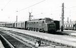 """Paris-Austerlitz. Locomotive 2D2 5547. Le """"Train des châteaux"""". CLiché Gilbert Moreau. 08-1955"""