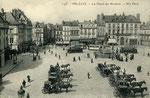 Orléans-T-014 : place du Martroi