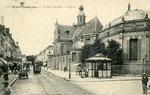 Fontainebleau-T-037 : Rue Grande et église Saint-Louis.