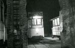 Fontainebleau-T-053 : Dépôt. Motrice n°14. La toute dernière photo du tramway, 21h55, le 31 décembre 1953. Cliché Jacques BAZIN