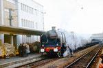 Orléans. 16 octobre 1971. Locomotive à vapeur 230 G 353. Train spécial de l'association de ferrovipathes FACS à destination de Bourges via Aubigny-sur-Nère. Cliché Jacques Bazin