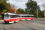 Krasnodar-T-006 : Motrices Tatra T3SU n° 015 et 016 roulant sur la ligne 2, à Gorodsoy-Sad. Cliché Pierre BAZIN, 20 octobre 2013