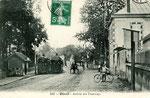 Orléans-T-028 : tramways à Olivet, pprès du pont du Loiret