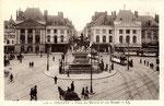 Orléans-T-015 : place du Martroi et statue de Jeanne d'Arc