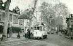 Fontainebleau-T-020 : Boulevard du Maréchal Leclerc. Motrice n°16. Cliché Jacques BAZIN. 26 décembre 1953
