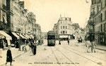 Fontainebleau-T-027 : Place de l'Etape aux Vins.