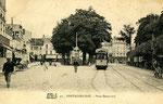 Fontainebleau-T-044 : Place Denecourt.