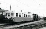 Les Aubrais. 1er septembre 1957. Autorail X 5525, locotracteur Y 9125 et locomotive diesel 040 DE 3. Cliché Gilbert Moreau. Colelction Xavier Inguenaud