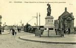 Orléans-T-023 : place Dauphine et statue de Jeanne d'Arc