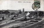 Au début du XXème siècle, vue d'ensemble de la gare avec la marquise au fond et sur la gauche le dépôt atelier du Paris-Orléans qui était situé au niveau de l'actuel quartier de la gare