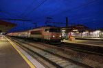 Les Aubrais. 16 janvier 2019. Locomotive BB 7274. Train 860515 Paris - Orléans. Cliché Pierre Bazin
