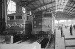 Paris-Austerlitz. Locomotives CC 7108 et 2D2 5547. Cliché Jacques Bazin.02-08-1959