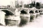 Fontainebleau-T-084 : Le pnt de Valvins, sur la Seine.