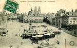 Orléans-T-011 : place du Martroi et station de correspondance des tramways