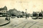 Orléans-T-074 : place du Martroi