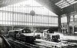"""Locomotives électriques """"boîtes à sel"""" assurant la liaison avec la gare d'Orsay, après l'ouverture de cette dernière en 1900"""