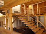 escalier rustique en châtaignier