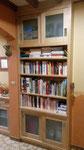 bibliothèque en frêne, porte vitrée