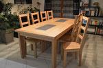 Table et chaises en chêne naturel vernis mat avec incrustation céramique